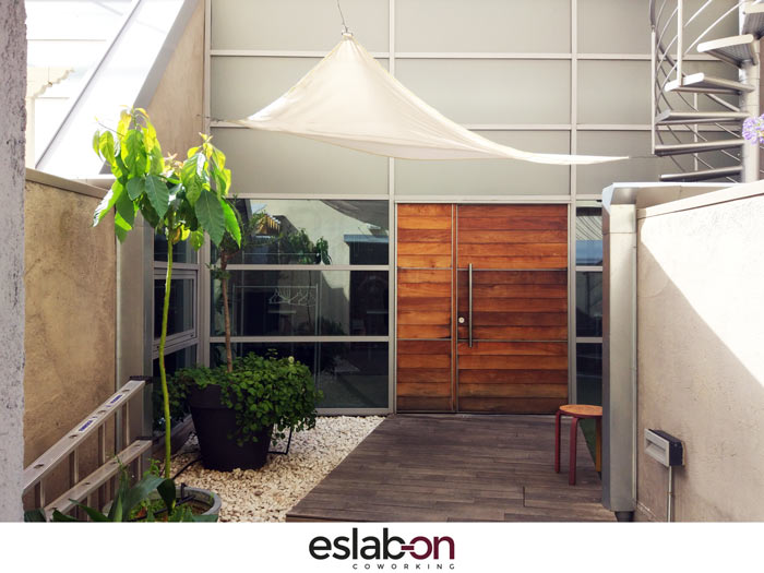 Patio entrada Eslabon Coworking Madrid